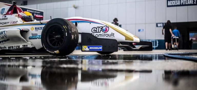 Η Renault Sport Technologies και η Michelin αξιολογούν τα ελαστικά 17 και 18 ιντσών