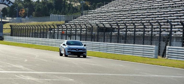 Συνεχίζει να σπάει ρεκόρ το Megane RS Trophy 275-R