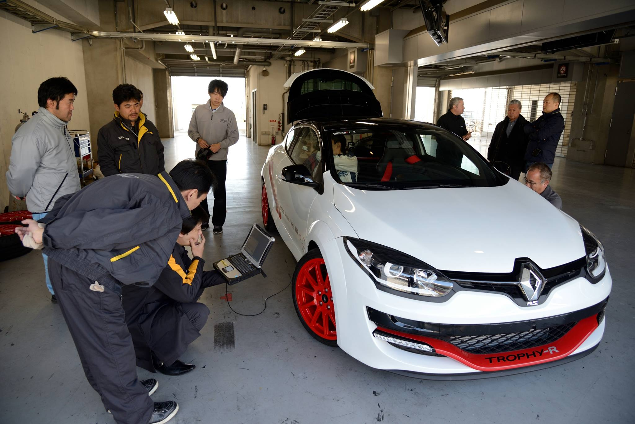 S0-La-Renault-Megane-R-S-275-Trophy-R-bat-le-record-du-Fuji-International-Speedway-338918
