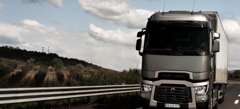 10.000 Renault Trucks T –  To Διεθνές φορτηγό της χρονιάς 2015 συνεχίζει την επιτυχία του