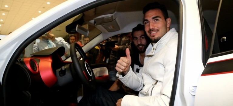 Σε εκδήλωση της Renault οι παίκτες του Ολυμπιακού