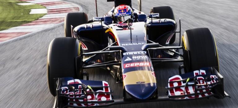 Παρουσιάστηκε η νέα Toro Rosso – Renault STR10
