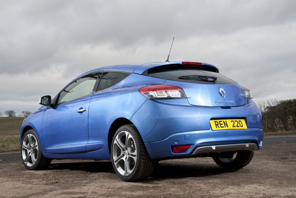 renault-launches-gt-220-mildly-hot-versions-of-megane-hatch-coupe-and-sport-tourer_2