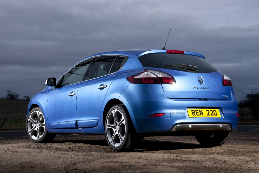 renault-launches-gt-220-mildly-hot-versions-of-megane-hatch-coupe-and-sport-tourer_4