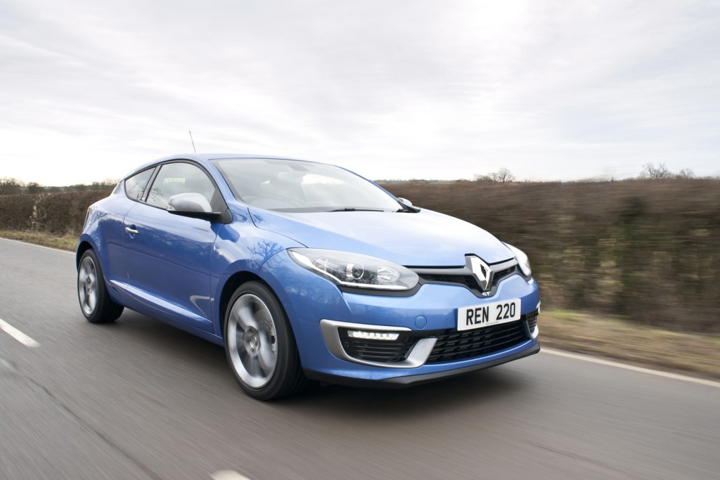 renault-launches-gt-220-mildly-hot-versions-of-megane-hatch-coupe-and-sport-tourer_7