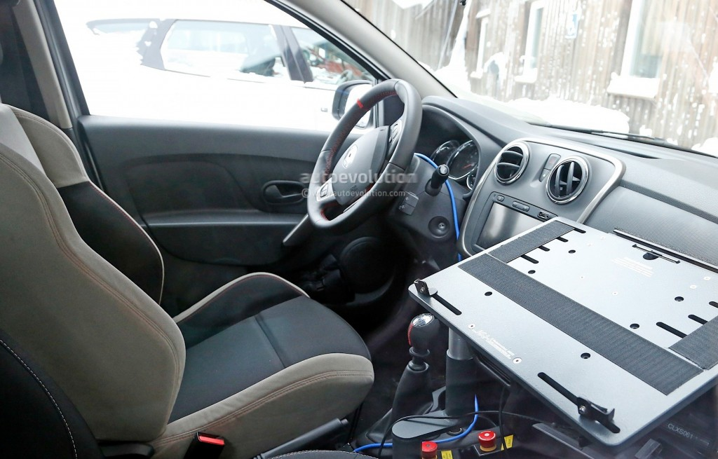 spyshots-dacia-sandero-rs-getting-12-turbo-engine-sportier-interior_8