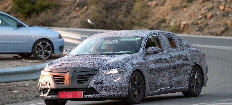 Νέες κατασκοπευτικές φωτογραφίες του νέου μεγάλου sedan της Renault