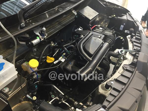 Renault-Kwid-0.8L-engine-bay-spied