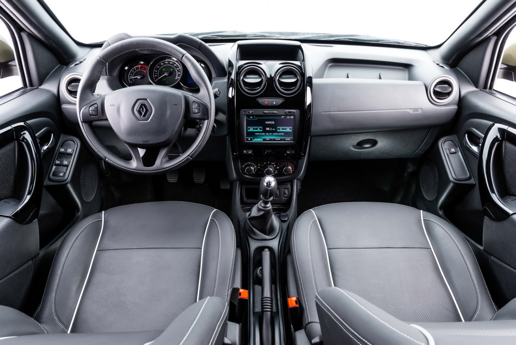 Renault-Duster-Oroch-71