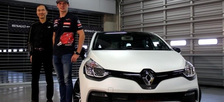 Ο Max Verstappen οδηγεί το Clio RS Trophy στο Fuji