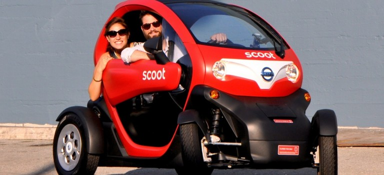 Το Renault Twizy (με σήματα της Nissan) διαθέσιμο προς ενοικίαση στο Σαν Φρανσίσκο