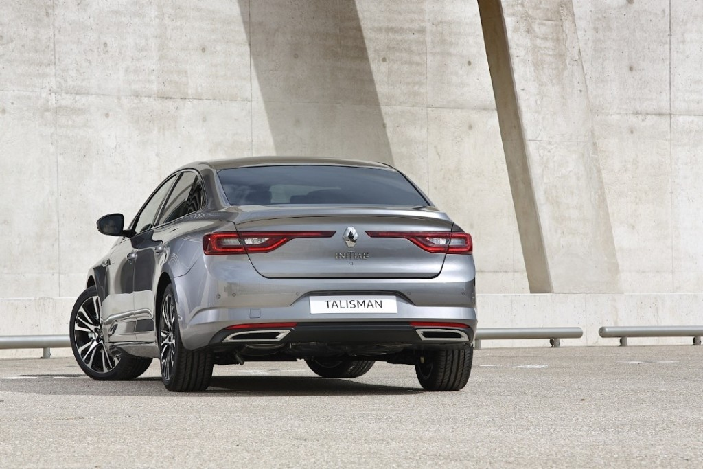 renault-talisman-pricing-leaked-latest-photos-show-initiale-paris-trim-photo-gallery_7 (Custom)
