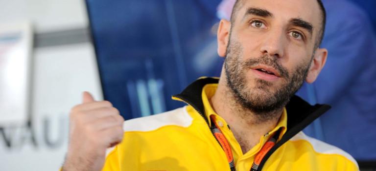 Η λύση των 'unbranded' κινητήρων της Red Bull θα πρέπει να περιμένει την απόφαση Ghosn