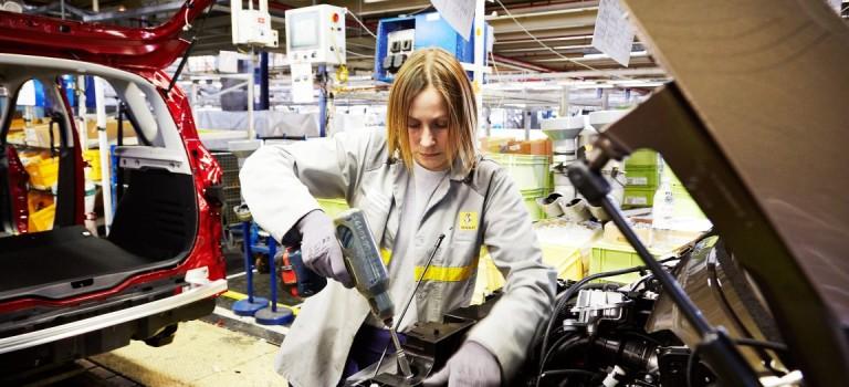 400 προσλήψεις έκανε η Renault στη Γαλλία – 20% ο στόχος για το μερίδιο αγοράς στο Ιράν