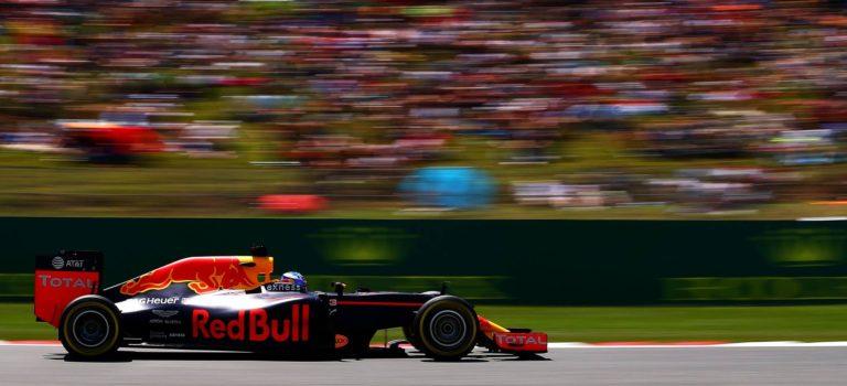 Η Renault θέλει να επεκτείνει την συμφωνία κινητήρων με την Red Bull – H Toro Rosso ξανά στο προσκήνιο