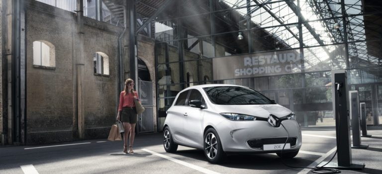Η Renault έφτασε το ορόσημο των 100.000 μισθωμένων μπαταριών