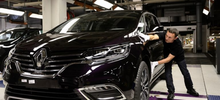 Η Renault ετοιμάζει πρόγραμμα εκσυγχρονισμού των γαλλικών εργοστασίων