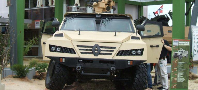 Δύο υποψήφιοι στο «κυνήγι» για την απόκτηση της Renault Trucks Defense