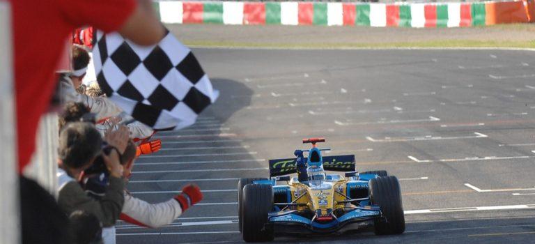40 χρόνια Renault στην F1 | Ο Fernando Alonso απονείμει φόρο τιμής