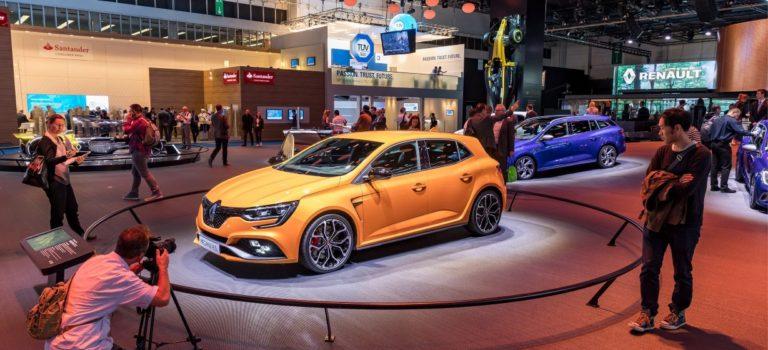 Έκθεση αυτοκινήτου της Φρανκφούρτης: Η Renault παρουσιάζει το όραμά της για το μέλλον, και τον νέο Βασιλιά των Hot Hatch (Live pics)