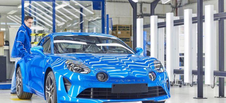Η Renault εγκαινιάζει την νέα γραμμή παραγωγής της Alpine A110 στο Dieppe της Γαλλίας