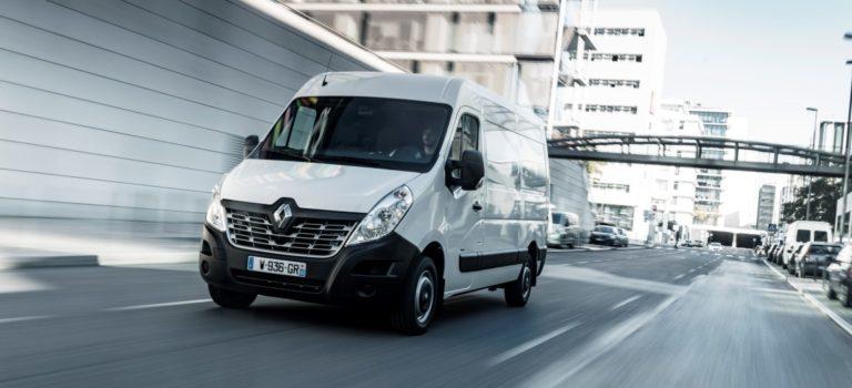 Renault MASTER Z.E. και Renault EASY CONNECT Fleet: εμπειρογνωμοσύνη στην υπηρεσία των επαγγελματιών