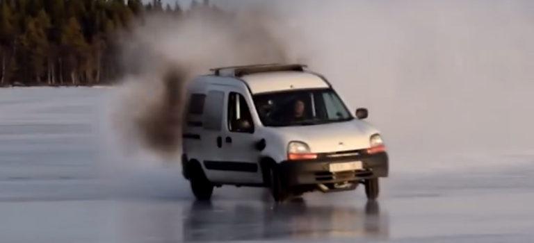 Ένα τρελό Renault Kangoo 450 ίππων στους πάγους της Σουηδίας (vid)