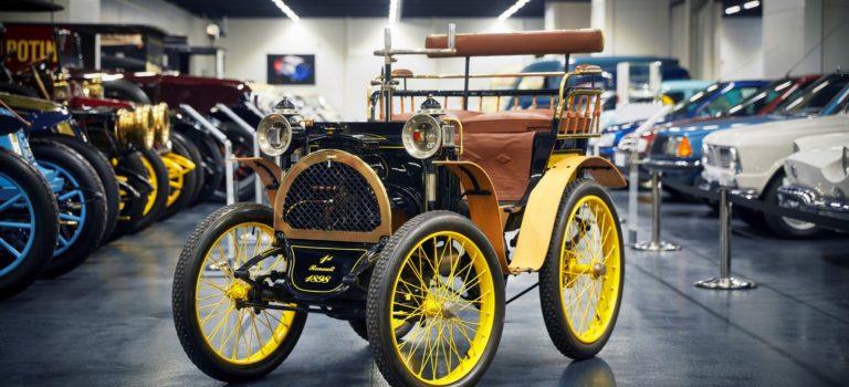 Για 120 χρόνια, η Renault έχει δεσμευτεί να διευκολύνει καθημερινά τη ζωή των πελατών της