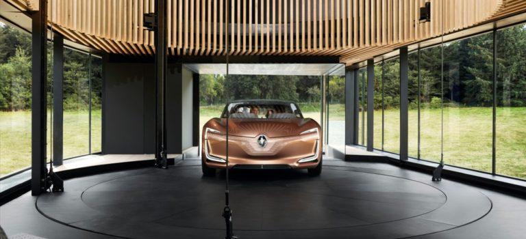 Μια αρχιτέκτονας στο σχεδιαστικό τμήμα της Renault
