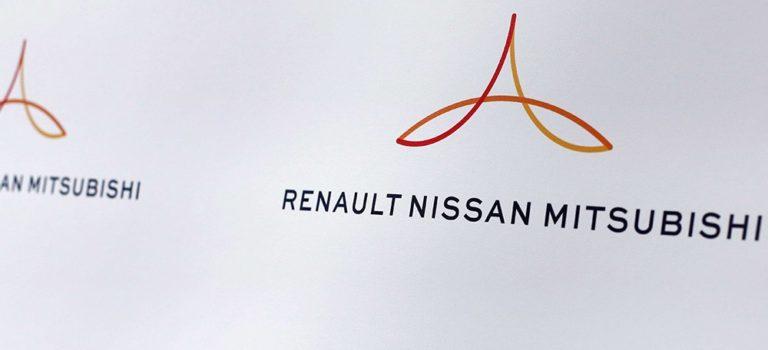 Η Nissan μελετά την επανεξισορρόπηση της μετοχικής δομής με τη Renault