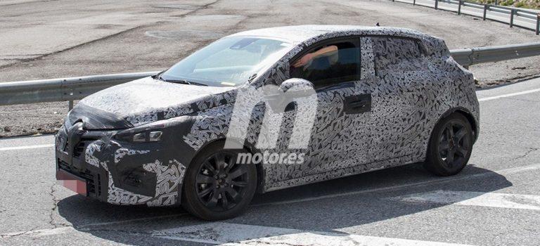 Μια αδιάκριτη ματιά στο εσωτερικό του νέου Renault Clio 5 2019 (spy pics)