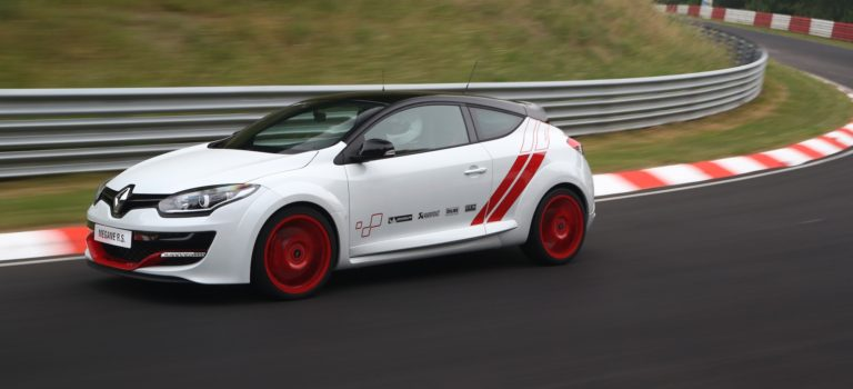 Nürburgring | 5 supercars που η Renaultsport έχει ρίξει στο καναβάτσο