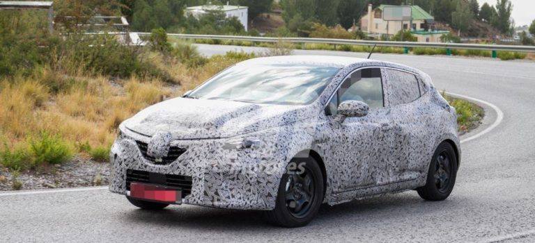 Το νέο Renault Clio 5 2019 με λιγότερο καμουφλάζ, αποκαλύπτει νέες λεπτομέρειες (Spy pics)