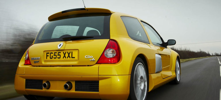 """Η """"μυστική"""" βοήθεια της Porsche στο Renault Clio V6"""