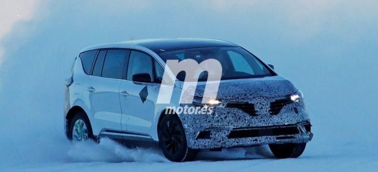 Το ανανεωμένο Renault Espace πιάστηκε να «Χορεύει» στο χιόνι (spy pics)