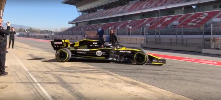 F1 | Ο Daniel Ricciardo οδηγεί την Renault RS19 για πρώτη φορά (vids)